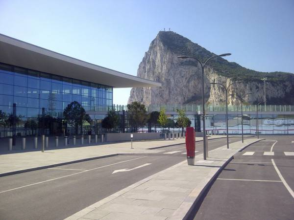 5.-Gibraltar-International-Airport-2